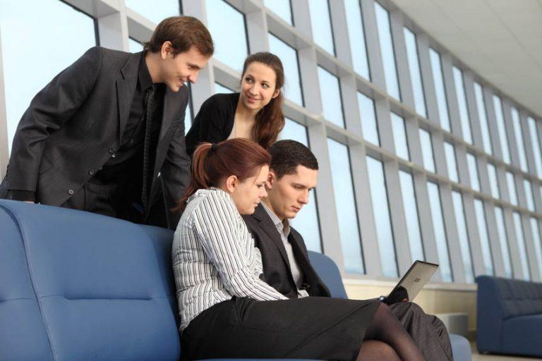 """Descubriendo la necesidad de una solución de Business Intelligence. Llevo oyendo desde hace muchos años una frase similar a """"al obrero hay que darle herramientas para que trabaje"""", y otra, que en el área profesional considero que debe ser un máximo en todos los ámbitos de cualquier Organización, que reza algo así como """"solo se puede mejorar aquello que se mide"""". El blog de TakeaLeap"""